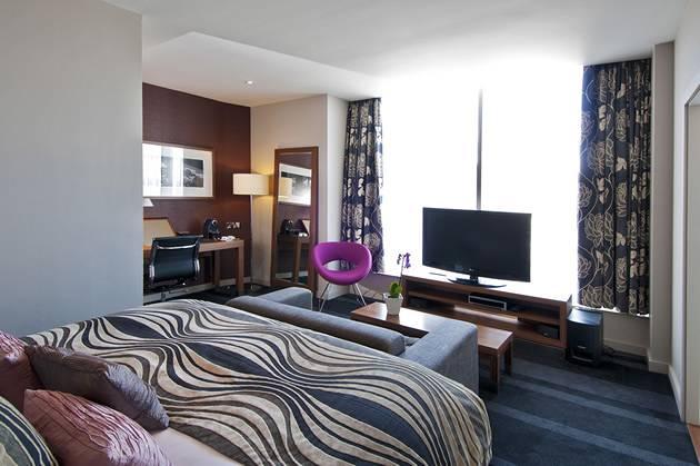 Apex Waterloo Place guestroom