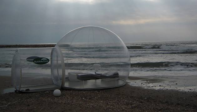 bubble hotel on beach