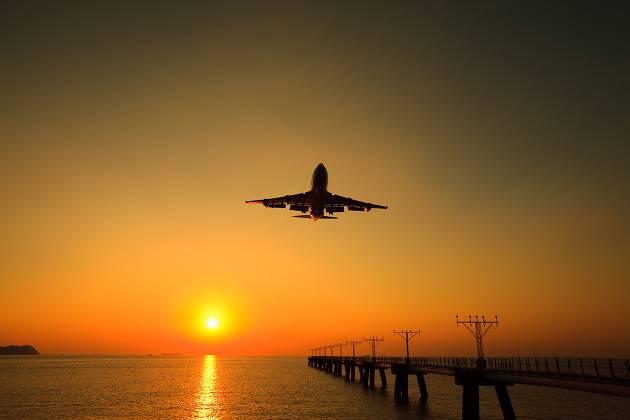 Jet landing in Hong Kong