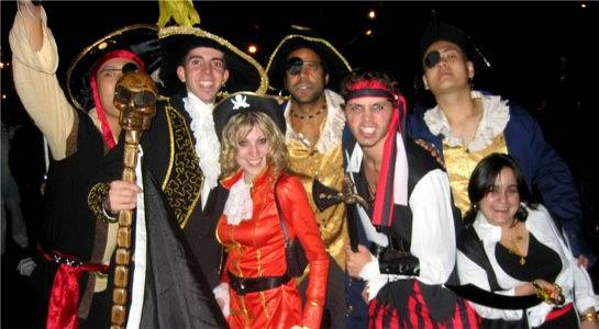 Arrr Me Hearties – Pirate Theme your Holiday!
