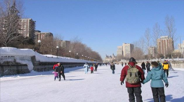 crowds on the longest ice rink in the world