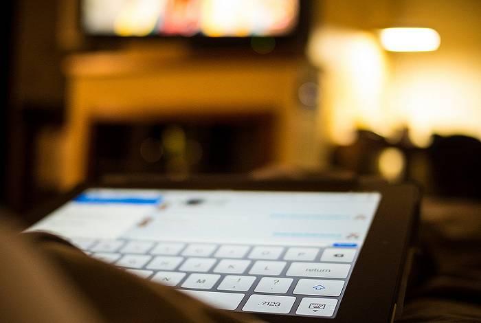 iPad in hotel room