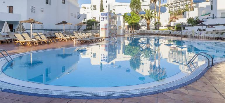 2nt-costa-adeje-tenerife-stay-in-one-bed-apartmen